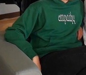 sweater,green sweater,calum hood
