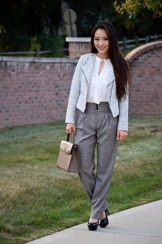 sensible stylista blogger pants top jewels jacket bag shoes