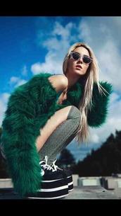 coat,green,fur,fluffy,vintage,big,grunge,clothes,fashion,furr,fluff,cropped,shorts,shoes