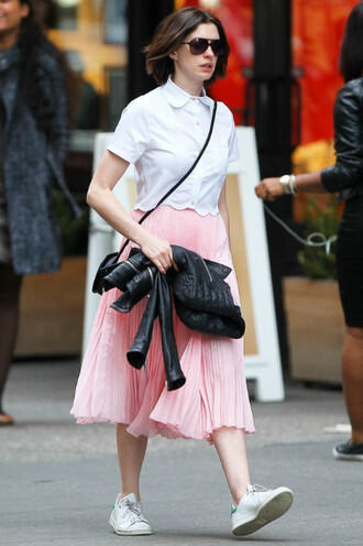 skirt anne hathaway midi skirt pink sneakers shirt