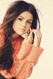 sweater,selena gomez,pink,pretty
