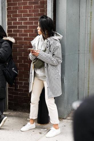 coat printed coat white jeans grey hoodie houndstooth jeans hoodie white sneakers sneakers