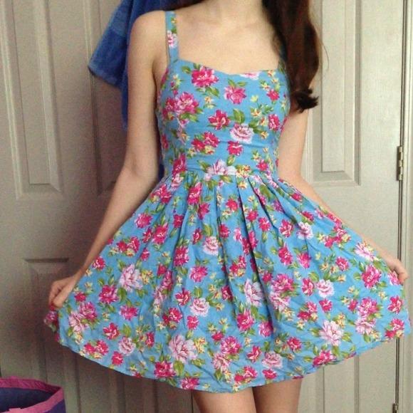 Floral dress s from tessa's closet on poshmark