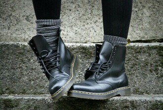 shoes black flat boots combat boots