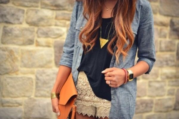 bag necklace shorts tumblr white lace shorts t-shirt shirt blue shirt gold jewelry jewelry