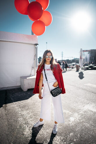 t-shirt tumblr white t-shirt jacket red jacket denim jeans white jeans culottes sneakers white sneakers shoes