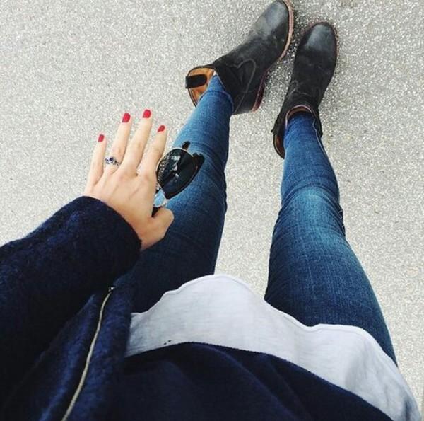 jeans blouse shoes sunglasses jacket t-shirt