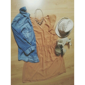 nude gold necklace clothes casual chic shoes casual dress ootd summer outfits jeans jacket beach holidays pool