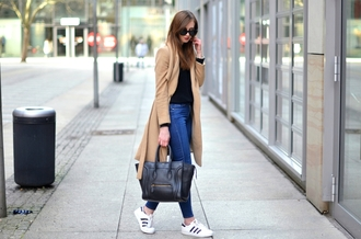 vogue haus blogger sweater jeans coat shoes bag sunglasses jewels