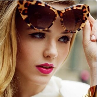 sunglasses trrendyish leopard print cat eyes shades summer clebrities fashion blogger blond