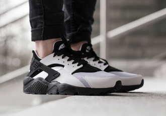 shoes huarache nike running shoes black shoes white shoes monochrome trainers coat