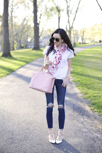 the glam files blogger sunglasses jewels scarf t-shirt jeans bag shoes
