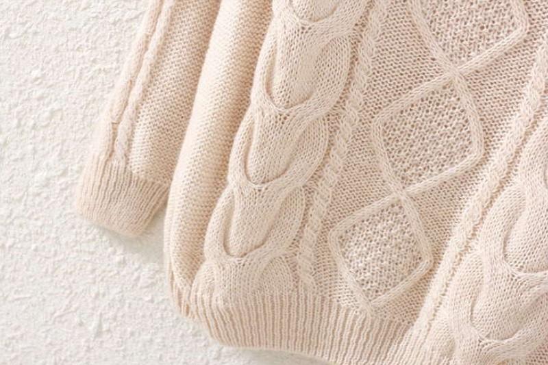 Beige Long Sleeve Diamond Patterned Knit Sweater - Sheinside.com