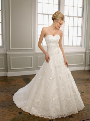 A-line Sweetheart Lace Sweep Train Appliques Wedding Dresses at Dresseshop