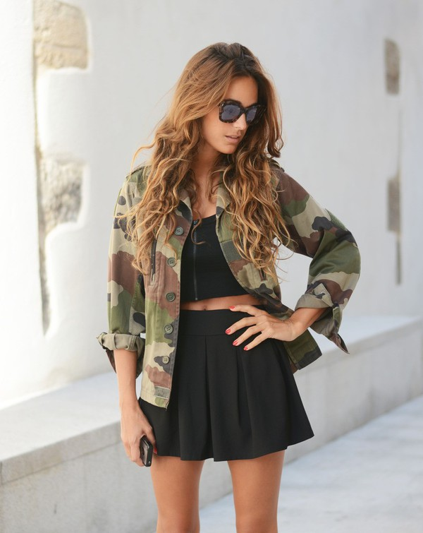 stella wants to die top skirt jacket shoes camo jacket pleated skirt camouflage military jacket vintage camouflage jacket sunglasses tortoise shell sunglasses tortoise shell black top black crop top crop tops mini skirt black skirt blouse