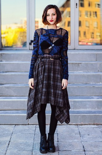 beauty insanity blogger sweater skirt knitted sweater blue sweater grunge punk plaid skirt bag jewels