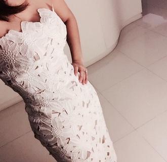 dress aimee aimeemore fashion girly dress flowy dress flowered white dress white prom dress cream dress cream