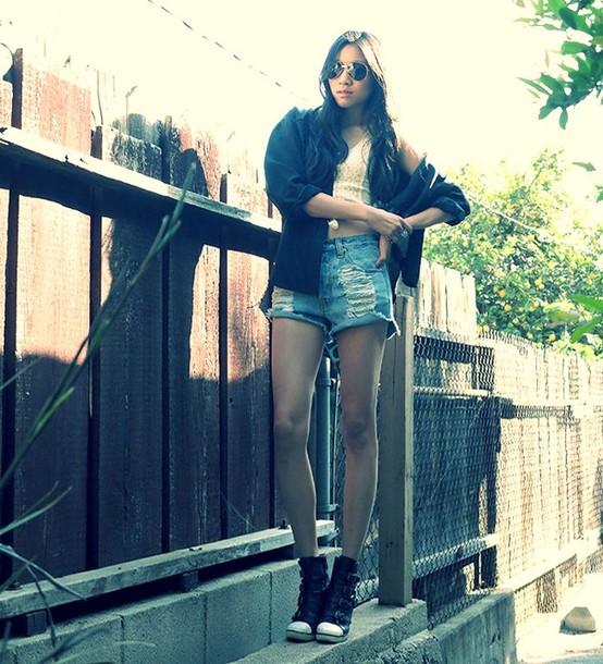 dance in my closet sunglasses t-shirt blouse shorts