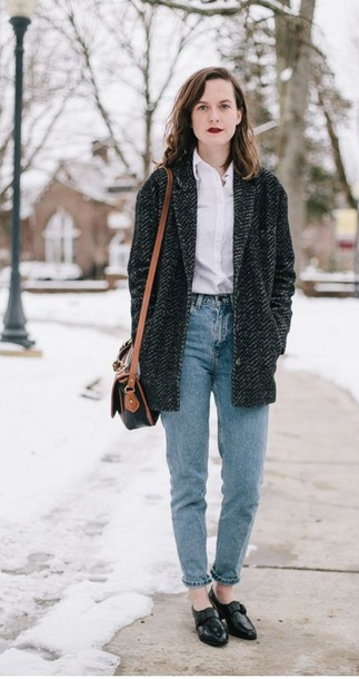 coat 80s style mom jeans high waisted jeans slip on shoes