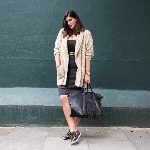fashion foie gras blogger cardigan dress bag shoes