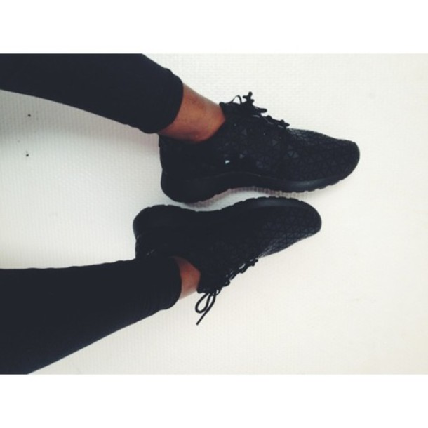 shoes black nike roshe run nike running shoes trainers clothes fashion workout nike running shoes clothes to homme blogger dress