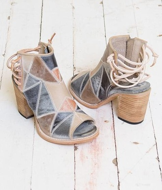 shoes grey brown beige heeled open toes lace up back tan chunky heels boho cute heels sandals strappy heels