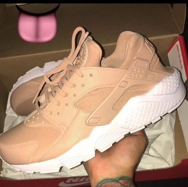 shoes huarache nike beige