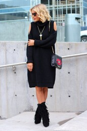 the courtney kerr,blogger,sunglasses,winter dress,black dress,lips,fringe shoes,black boots,sweater,dress,shoes,bag,jewels,lip print