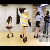 sweater,yellow white black,hoodie,pullover,twice,K-pop,korean fashion,bts,kstyle,oversized sweater,streetwear,streetstyle,street,sporty,yellow,black,white,teddy,look at me,momo,oversized,nice,cool,comfy,heart,print,printed sweater,long,cute,sweet,korean idol,kpop idol,idols,idol,girl group,korean style,asian,hirai momo,jihyo,nayeon,jungyeon,sana,dahyun,mina,chaeyoung,tzuyu