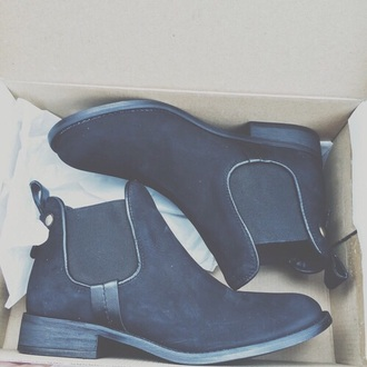 shoes boots heels black boots cute shoes 80's 80s style chelsea boots