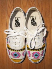 vans,shoes,aztec,white