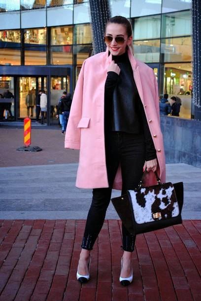 let's talk about fashion ! blogger pink coat skinny pants handbag