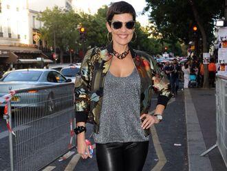 fashion jacket cristina cordula reines du shopping fleur fleurie floral shorts floral flowers