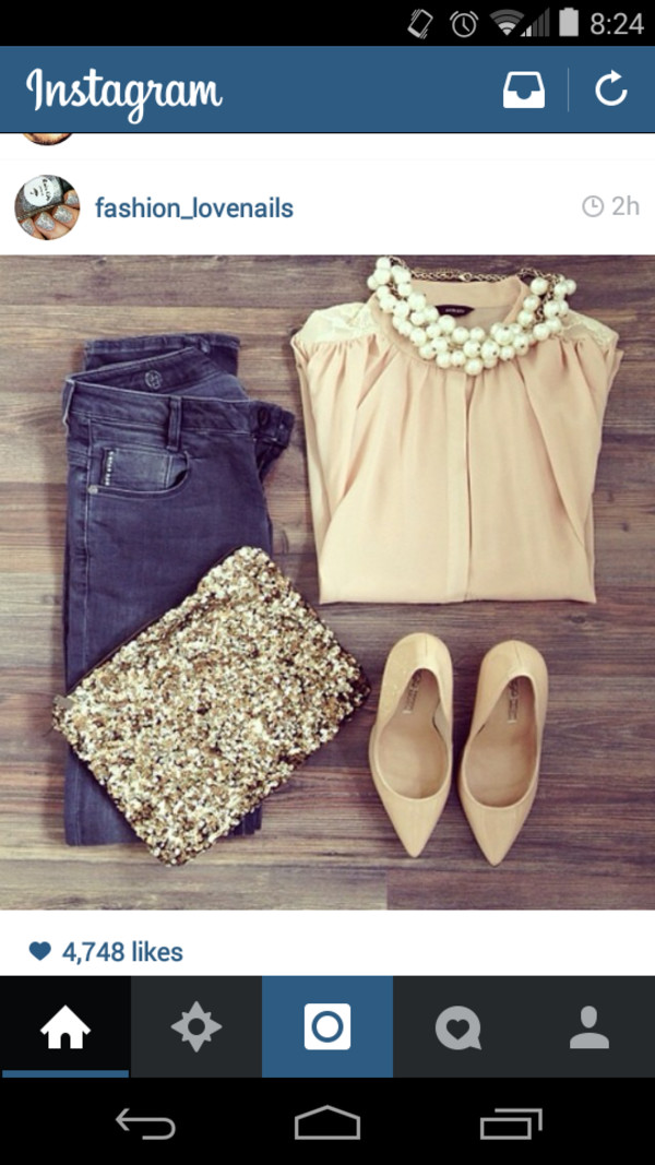 blouse outfit nude bag shoes jewels jeans