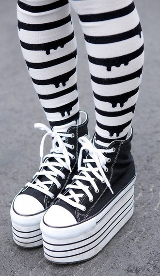 pants tight pastel goth cute kawaii converse platform shoes shoes underwear halloween leggings socks black drip dripping tights pastel black and white