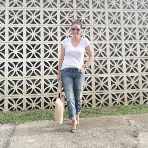a pretty penny blogger jeans t-shirt