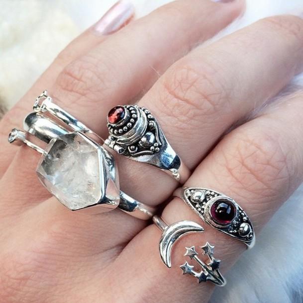 809d7ebddb947 Get the jewels for $10 at shopdixi.com - Wheretoget