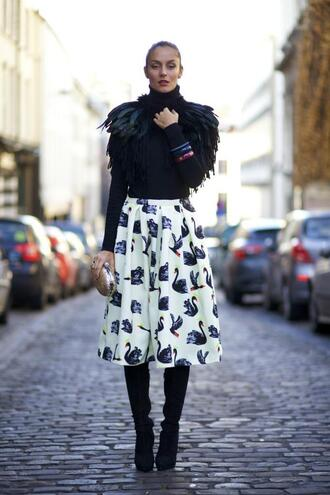from brussels with love blogger sweater swan midi skirt circle skirt feathers black boots winter outfits