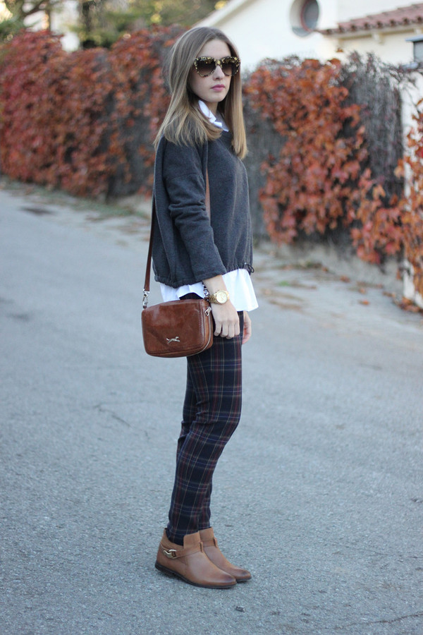 say queen sweater shirt pants sunglasses bag shoes