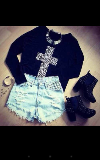 black hipster leopard print cross cross top leopard print cross black top printed t-shirt sweater ankle boots