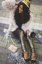 pants,tumblr,sequin pants,gold sequins,sequins,coat,fluffy,white fluffy coat,fuzzy coat,crown,pumps,pointed toe pumps,high heel pumps,black heels,shoes,bag,pink bag,holiday season,christmas,party outfits