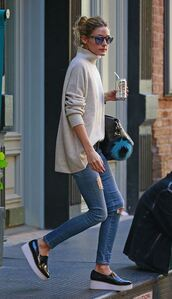 jeans,sweater,turtleneck,ripped jeans,shoes,olivia palermo,fall outfits,scarf