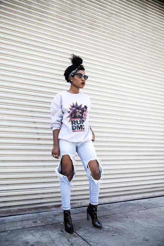 locks and trinkets blogger jeans ripped jeans light blue jeans printed sweater hairstyles black girls killin it patent shoes black boots turban streetstyle missguided