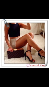 glitter,heels,black too,bodycon,skin,classy,not,trashy,gorgeous,short,tanned,sparkle,short skirt,pencil skirt