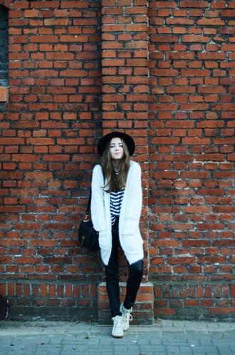 jestem kasia blogger cardigan pants blouse hat bag shoes jewels