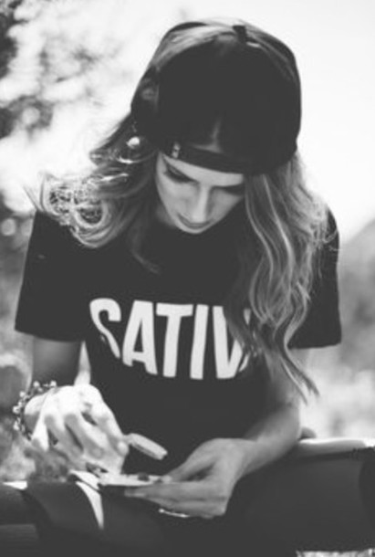 T-shirt: black, black outfit, all black everything, love ...