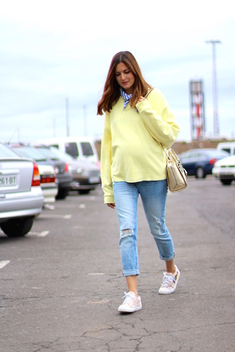 marilyn's closet blog blogger jeans scarf bag shoes sneakers spring outfits sweater yellow sweater