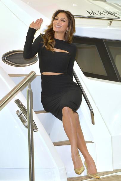 nicole scherzinger alexander mcqueen little black dress date outfit