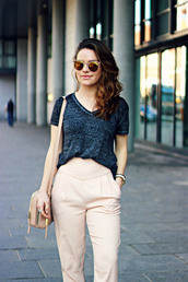 the little magpie,blogger,grey t-shirt,high waisted pants,office outfits,mirrored sunglasses