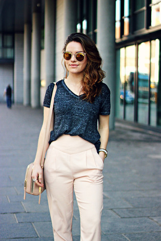 the little magpie blogger grey t-shirt high waisted pants office outfits mirrored sunglasses